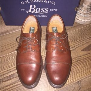 Bass Saddle Brown Oxford Dress Shoe  Size 10